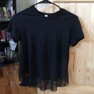 Lululemon cross/open back shirt 🖤